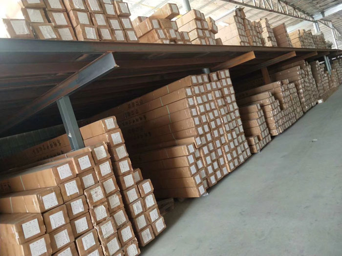 铝隔条产品仓库