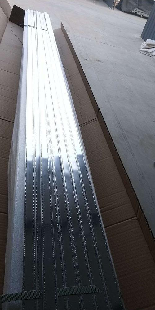 高频焊镜面铝隔条产品